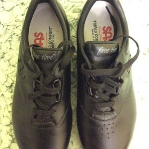 SAS shoes size 10W GREAT DEAL